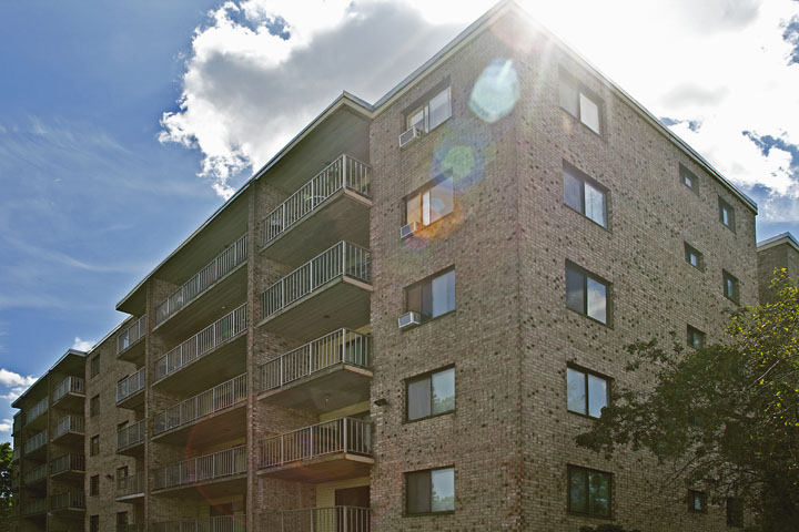 Parkwood Apartments